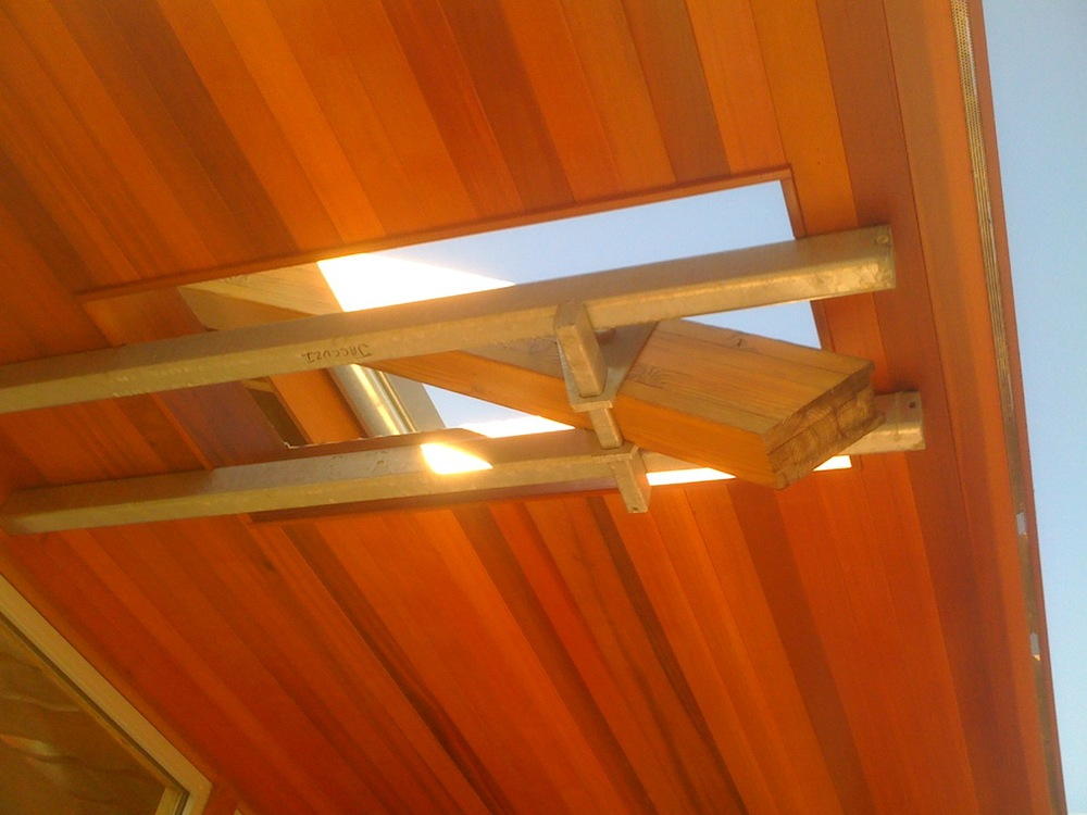 Hui suspended roof detail.jpg