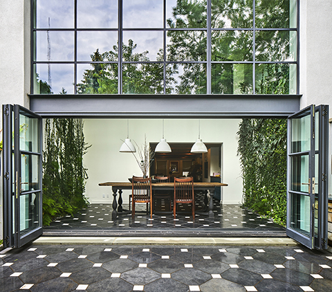 "Sept. 13, 2016 Gardenista/Remodelista ""Architect Visit: A Dining Room Wallpapered with Climbing Vines in Brooklyn"""