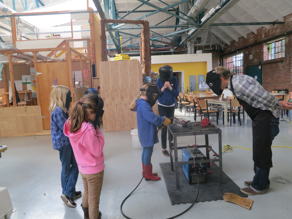 First we focused on drawing straight beads with our welder.