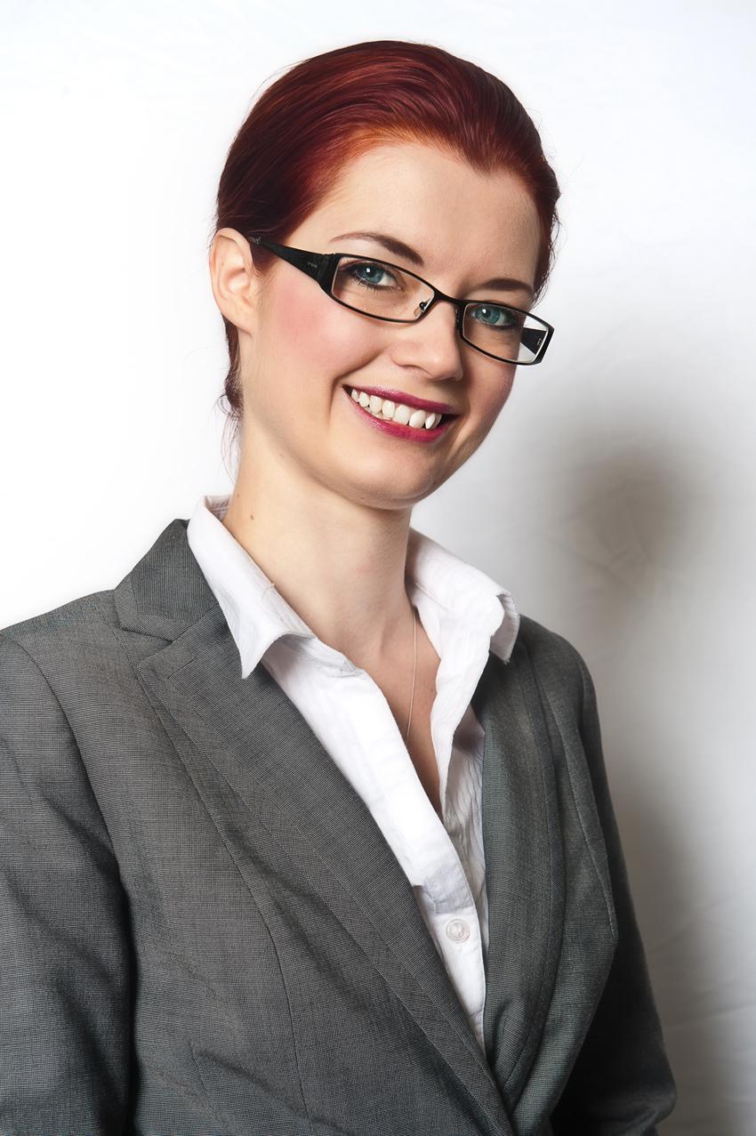 Sara Henwood.jpg
