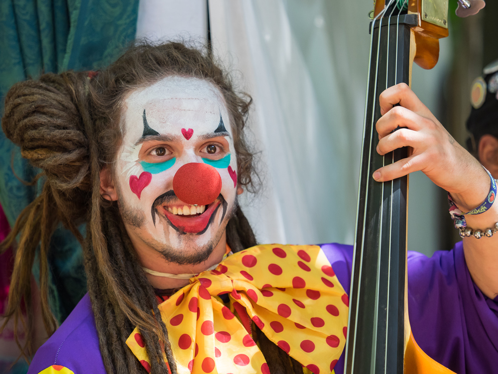 Clown Bassist-7120115.jpg