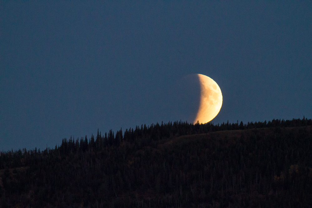 Lunar Eclipse Waterton-9291.jpg