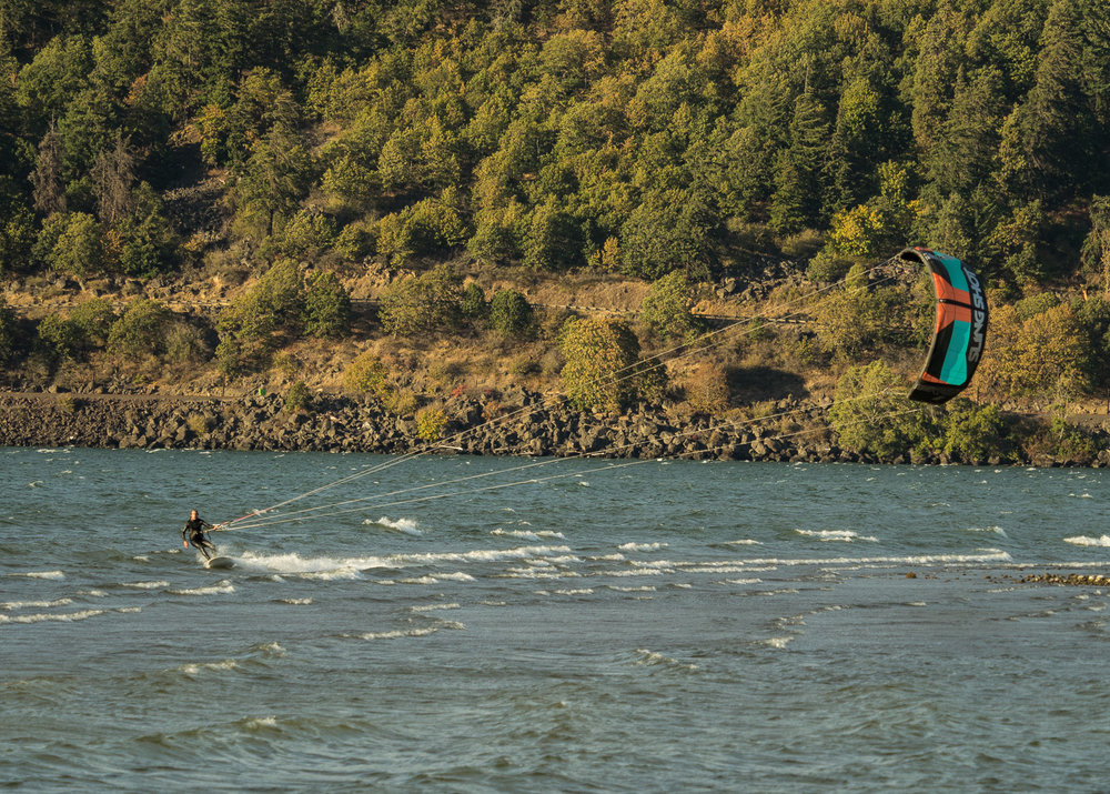 Kiteboarding in the Columbia Gorge
