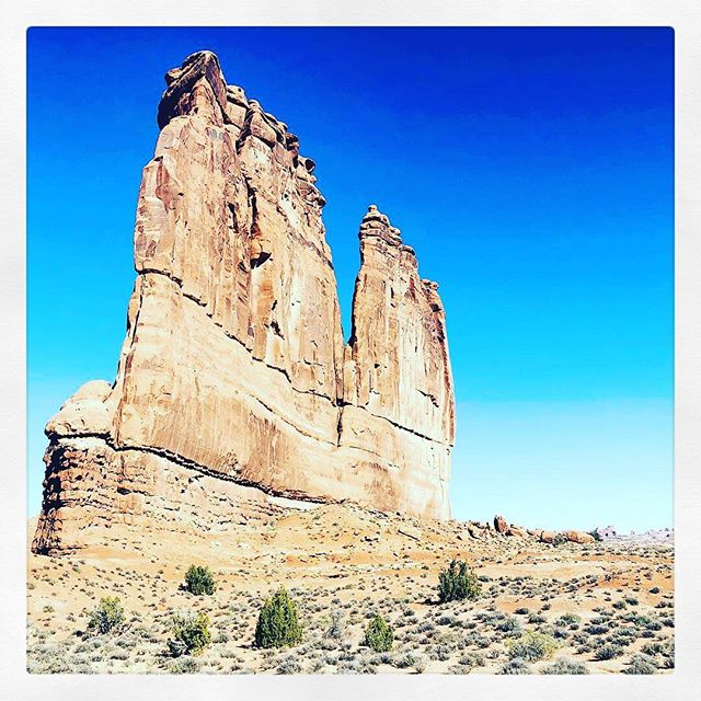 Moab, you are beautiful! . . . #ANNALAYA #moab #mothernature #creativelifehappylife #creativelife #createeveryday #minimalist #thenativecreative #create #seekthesimplicity #minimal #nothingisordinary #madeinusa #madeindenver #creativityfound #minimalstyle #thecreativenow #pursuepretty #flashesofdelight #thehappynow #designprocess  #oneofthebunch #designer #creativeminds #jewelrydesigner #inspiration