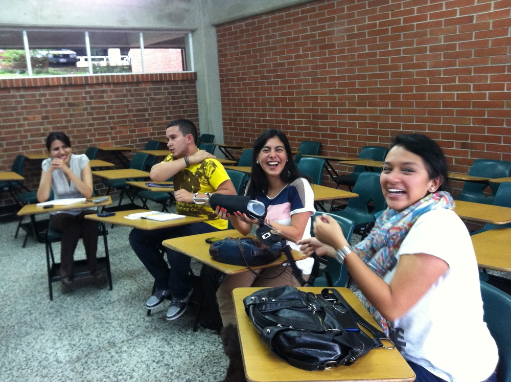Students at Universidad del Valle learning about the OpenSocket
