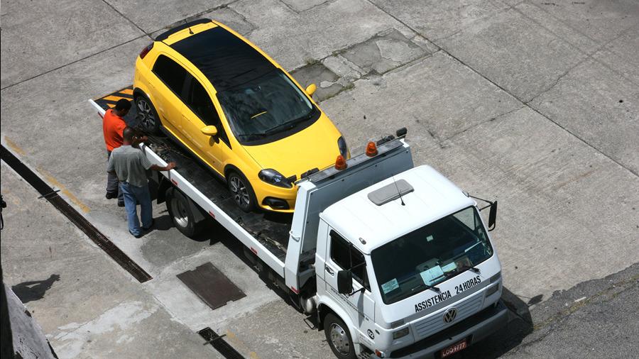 Bringing the car to Jacarepaguá, Rio de Janeiro.