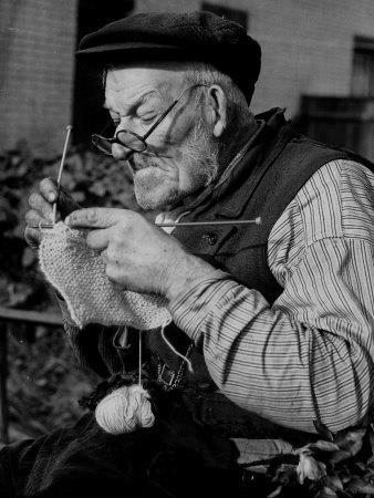 05_knitting men One.jpg