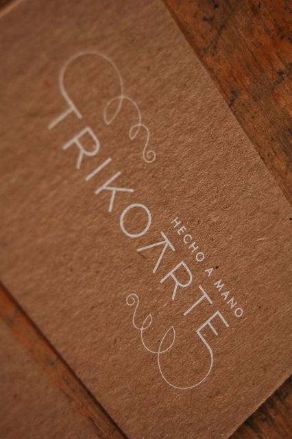 tarjeta visita Trikoarte. elcalotipo.com