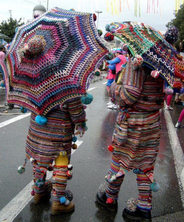 HUMAN YARN BOMBING foto web: Pinterest