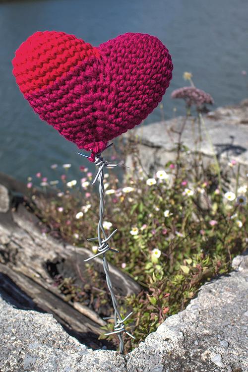 Urban Knitting. Corazón Espinado (trikoarte, 2014)