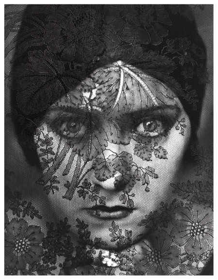 Edward Steichen (1924), Gloria Swanson. Condé Nast Publications. Available from:   http://foam.org/press/2013/edward-steichen [Accessed 4 October 2014]