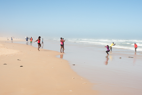 This group of young people walked to the beach and started taking photos of each other and after that also of me! I felt a bit strange about that and realised even more how invasive it is when somebody just takes an image of you without asking.