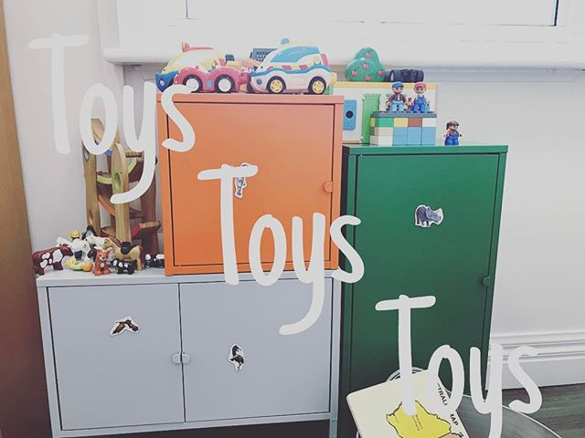 One of my patients left me with a gorgeous display of my toys in my clinic room this morning. It's only right to offer a great selection of toys to play with, as Naturopathic first visits take 60 minutes and return visits 45mins. I love it when they can enjoy them as then it gives their parents a chance to relax and let their child's health story unfold. Win win 👌🏻