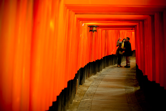 tori-gates-fushimi-inari-shrine-kyoto-8