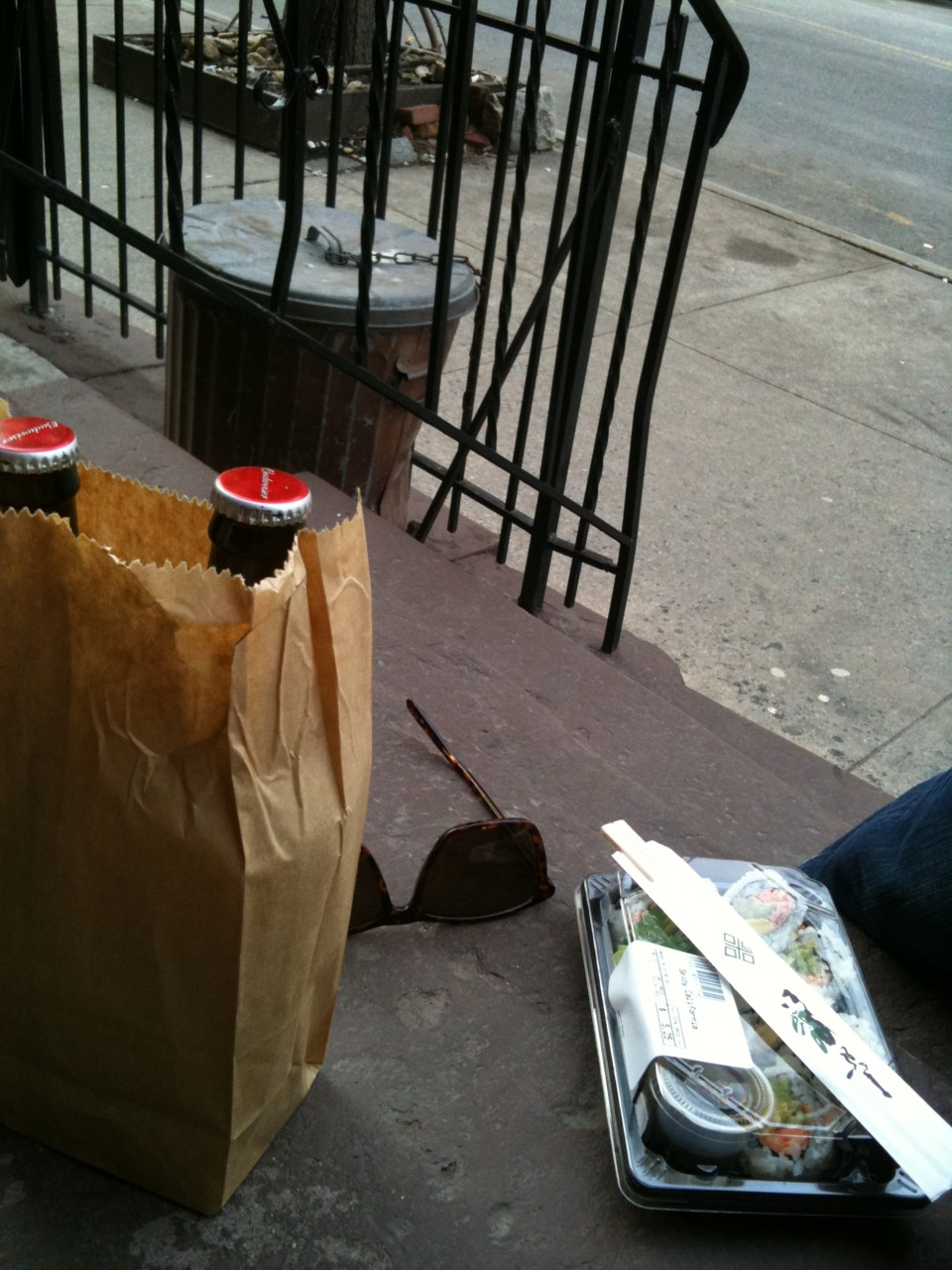First stoop lunch of 2011