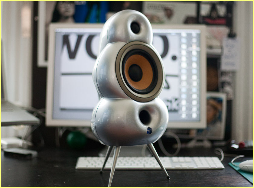 I'm selling these awesome little speakers. Last year I wanted to deck my apt out with really good looking stuff. I randomly found these guys and fell in love with them.     blueroom minipod loudspeakers