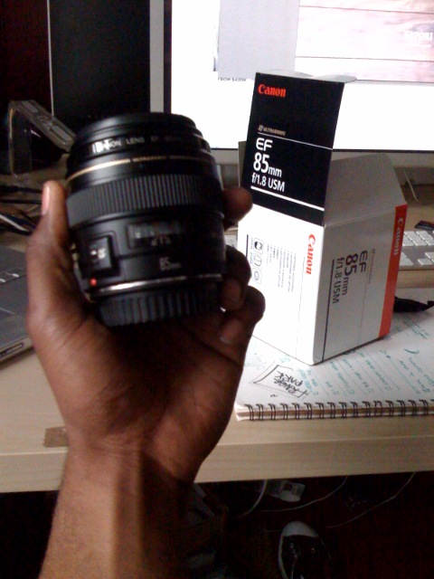 Thanks to comron and his wedding almost a month away, I now have the last lens i need for my kit.