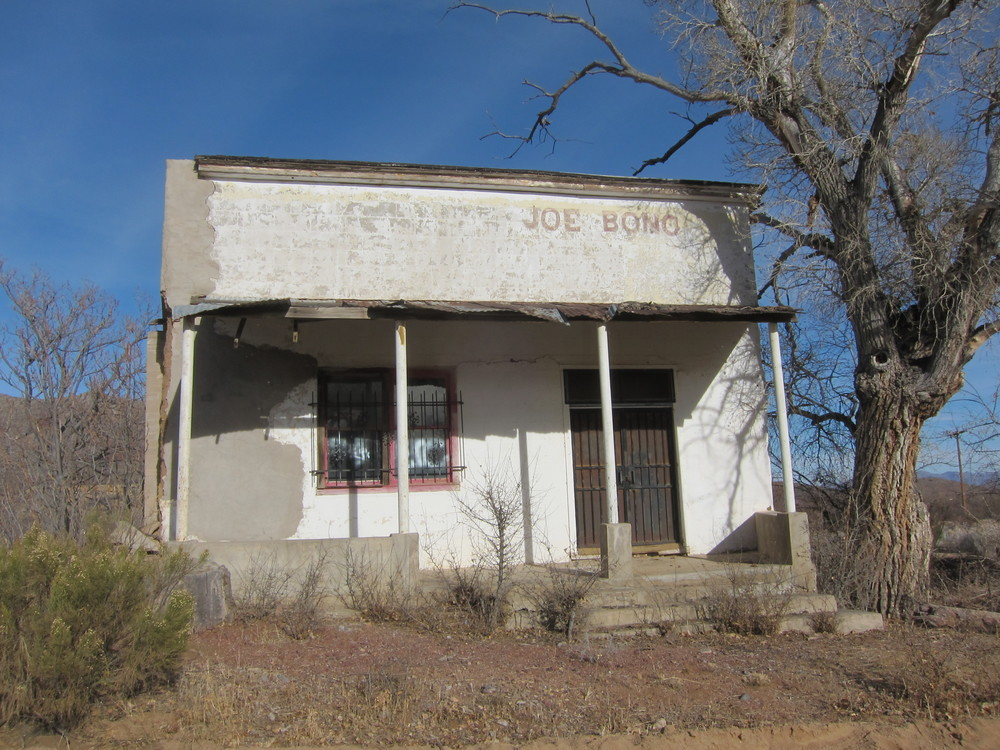 A store in Gleeson.  Sonny Bono was from Arizona. Perhaps.................