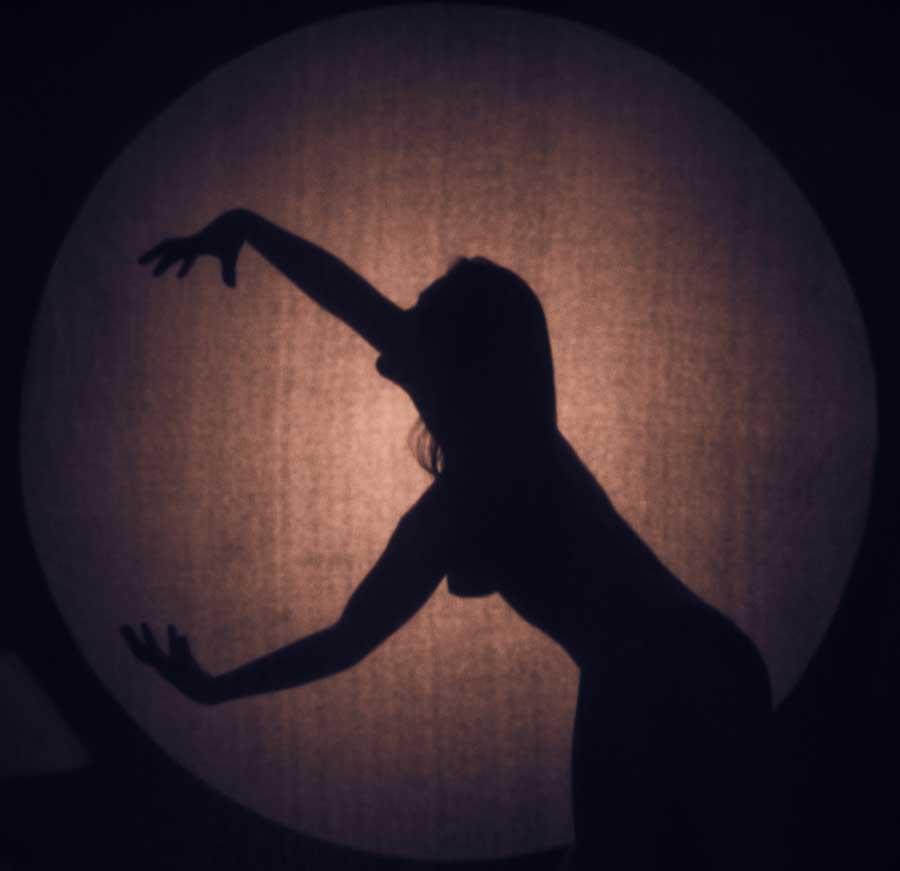 woman in circle, 2014