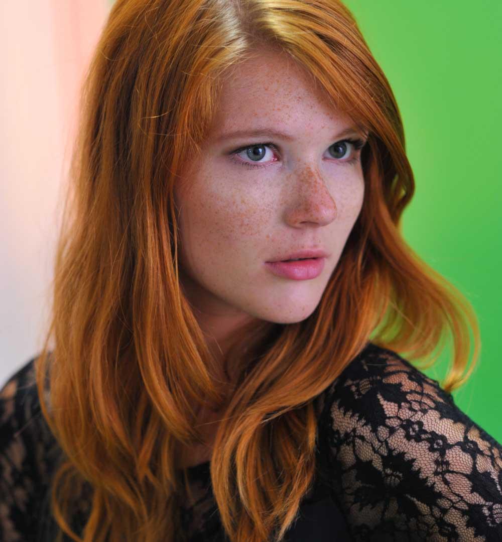 Mila Solis • model