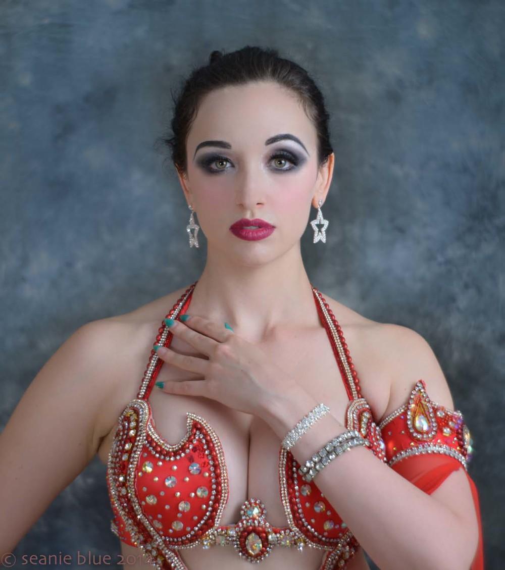 Shahrzad Raqs • belly dancer