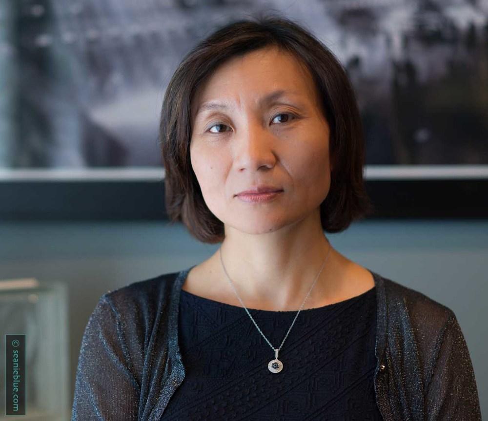 Hong Liu • Banker