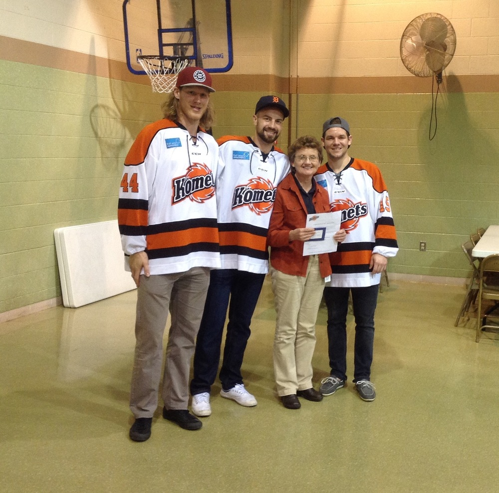 Mary Yoder and the Komets.jpg