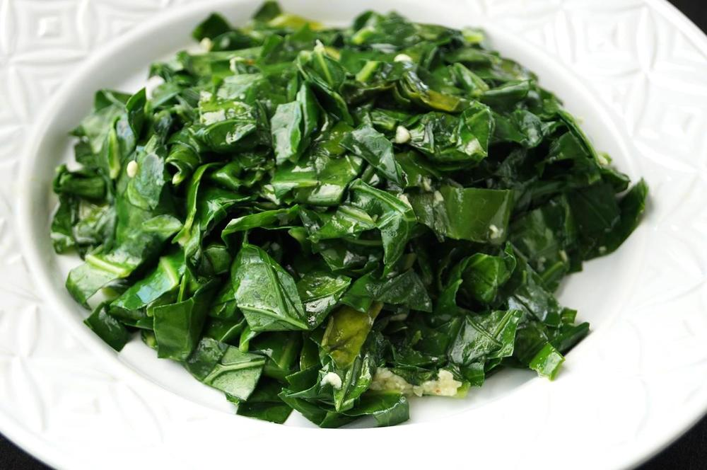 ... Couve à Mineira (Garlicky Collard Greens) — The Curious Coconut
