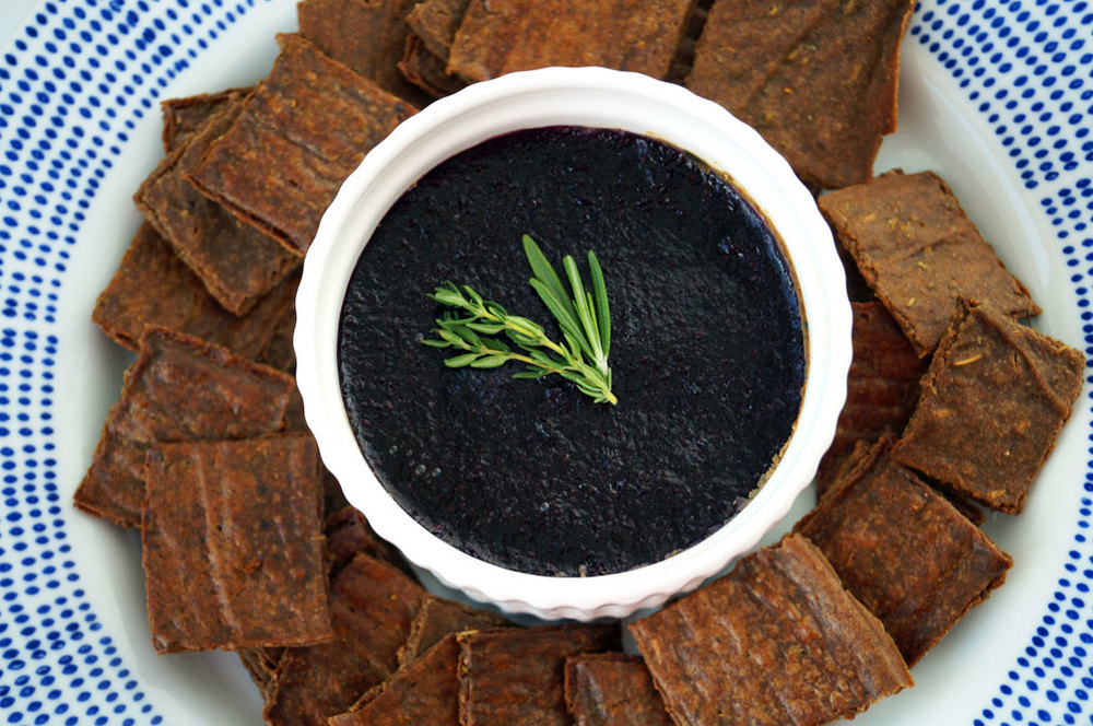 Dairy-free beef liver pate + the perfect paleo crackers // TheCuriousCoconut.com