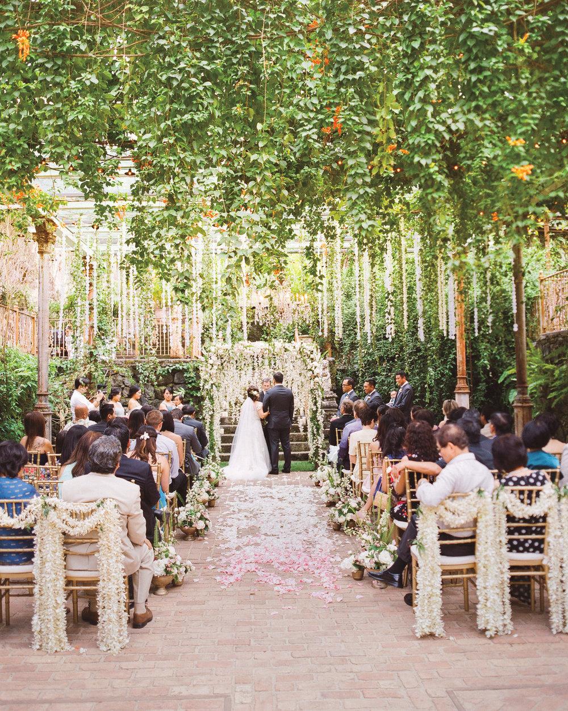 lian-erween-wedding-hawaii-0744-s112268_vert.jpg