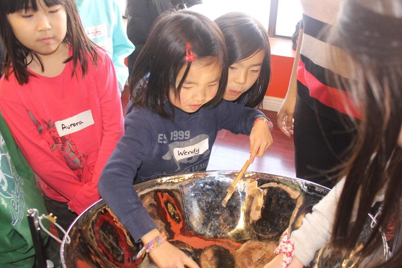 kids_trying_steelpan_ccjga1.jpg