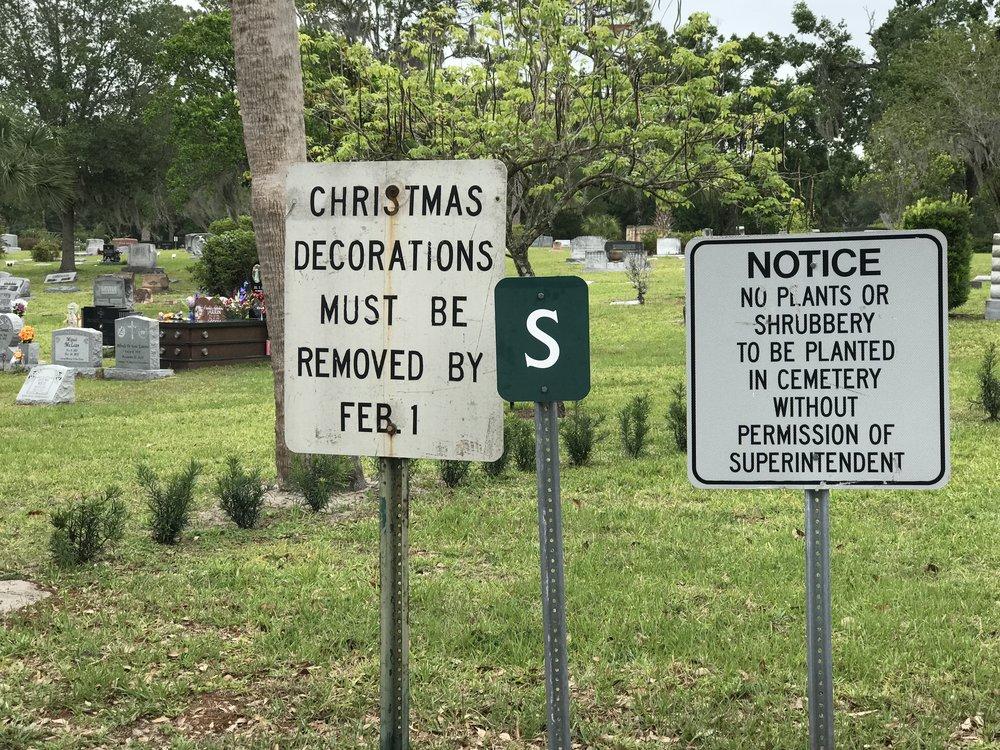 Greenwood-Cemetery_Signage.jpg