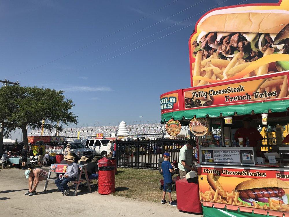 Daytona-Speedway_3909.jpg