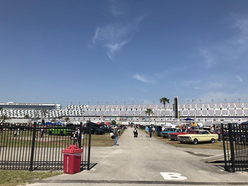 Daytona-Speedway_3913.jpg