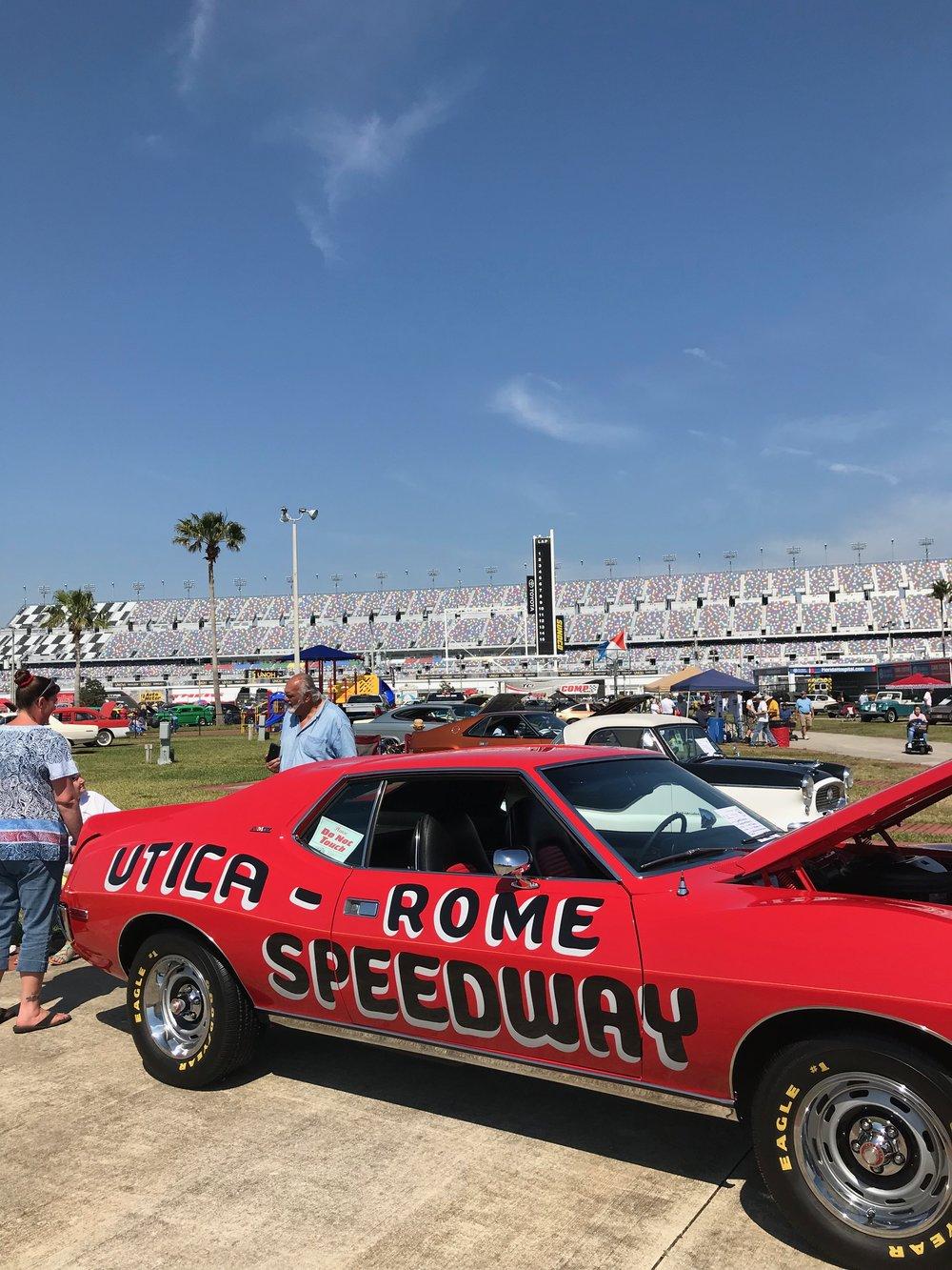 Daytona-Speedway_3915.jpg