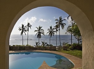 msambweni-home-kenyan-rentals-the-sea-beyond-69131-305x225.jpg