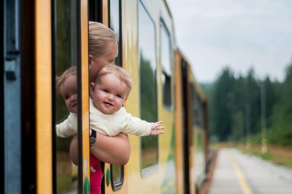 10. listopadu 2013     Nečekaný nález v archívu - Majdy první cesta vlakem (zastávka Černý Kříž)