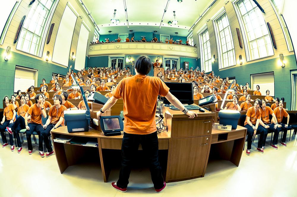 26. ledna 2012, Přírodovědecká fakulta Univerzity Karlovy v Praze  Nikon D300, Nikon 10.5mm f/2.8G ED DX Fisheye, f/5.6, 1/13 sec., ISO 800