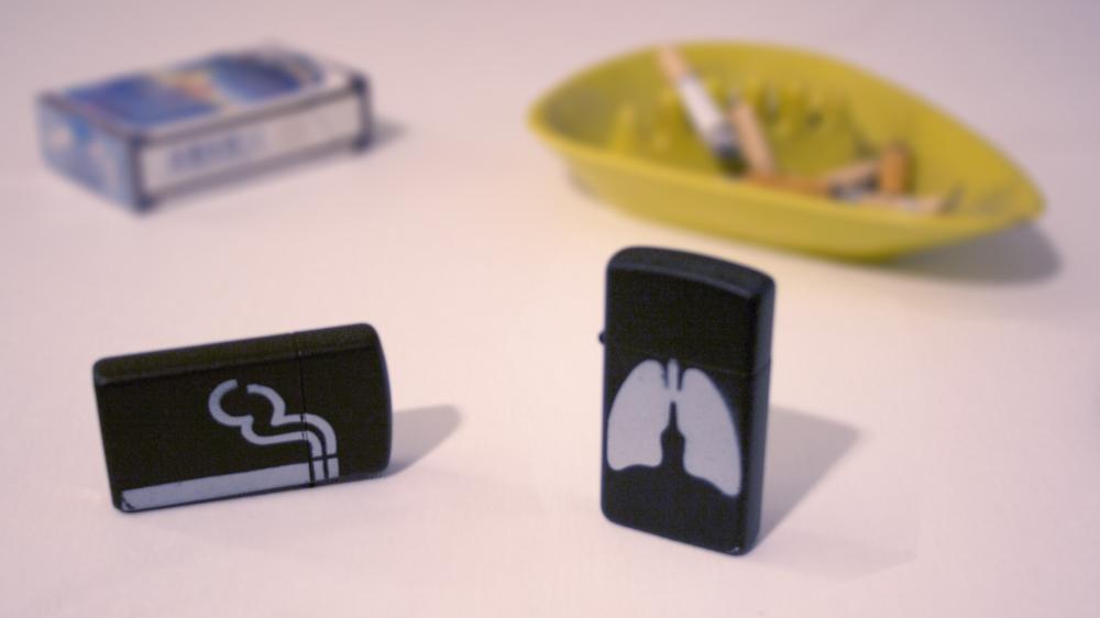 smoking lungs zippo.jpg