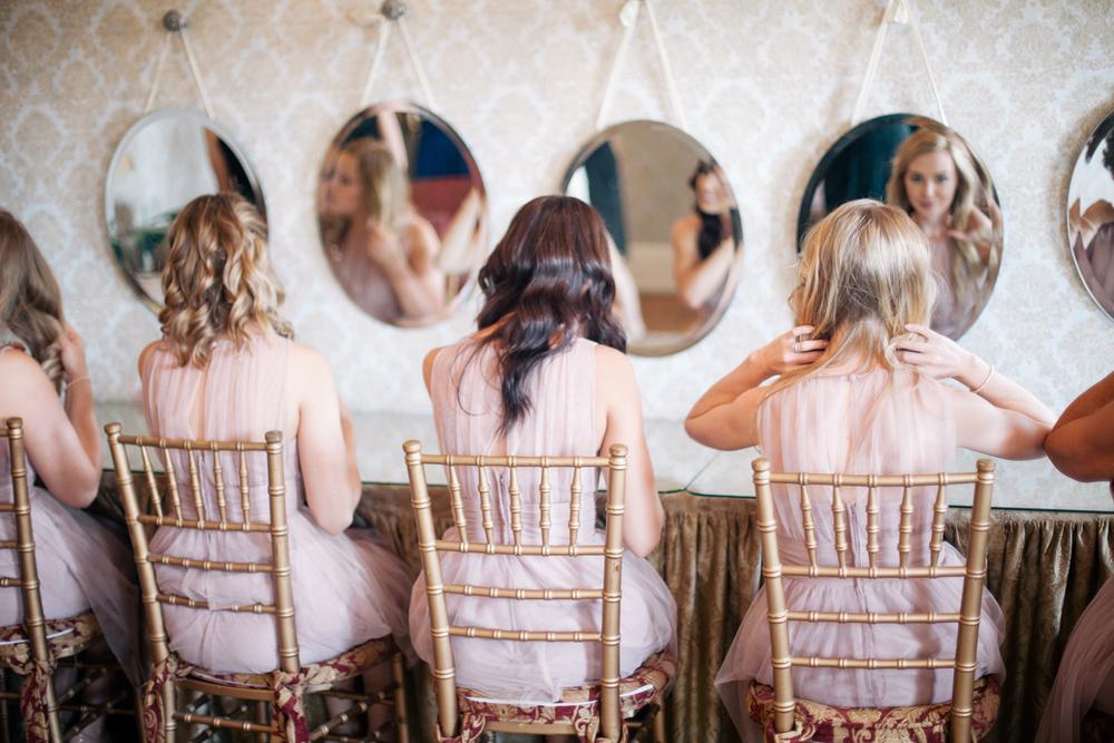 Minneapolis Wedding Photographer getting ready