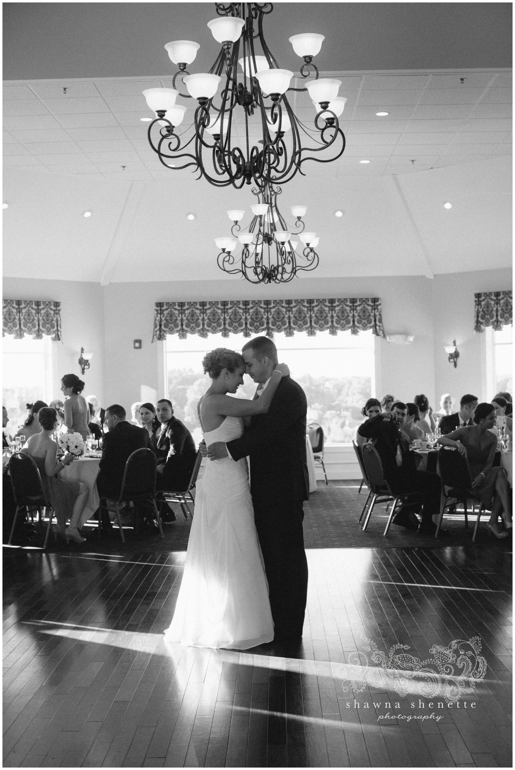 Massachusetts Wedding Photographer Grafton Highfields Country Club Wedding Photos