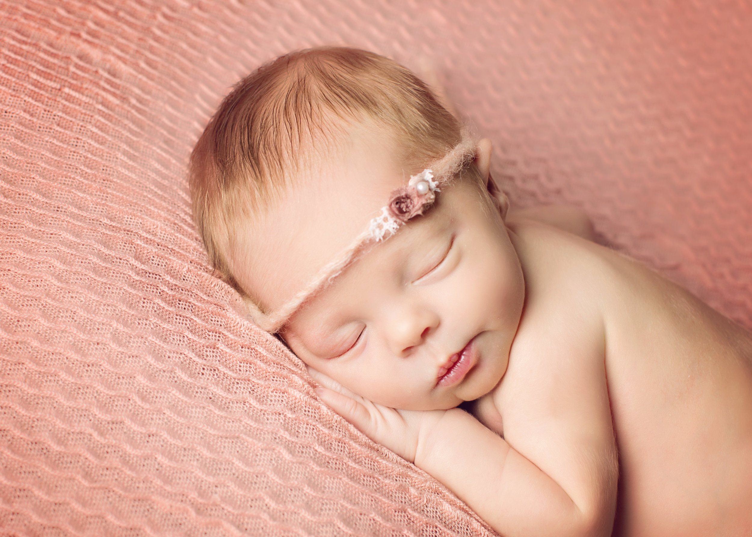 massachusetts newborn photographer baby girl millbury worcester boston