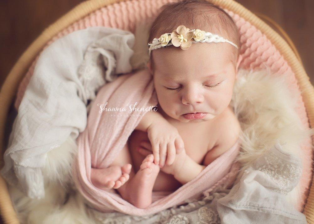 Worcester MA Newborn Baby Girl Photographer Auburn Millbury Sutton Boston Metrowest Newborn Photos Sweet Baby Girl Photos_0033.jpg