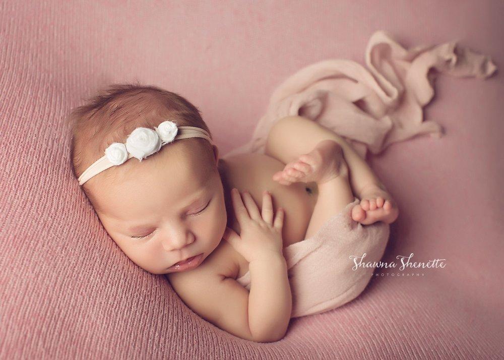 Worcester MA Newborn Baby Girl Photographer Auburn Millbury Sutton Boston Metrowest Newborn Photos Sweet Baby Girl Photos_0036.jpg