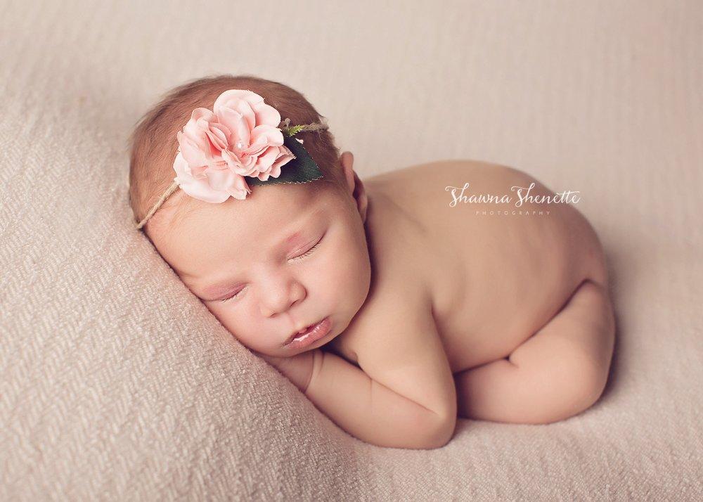 Worcester MA Newborn Baby Girl Photographer Auburn Millbury Sutton Boston Metrowest Newborn Photos Sweet Baby Girl Photos_0039.jpg