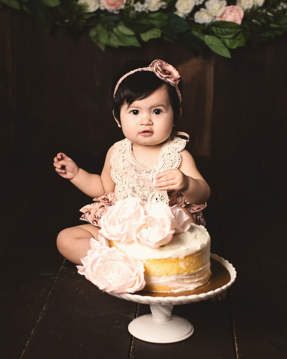 Worcester_cake_smash_photographer_boston_baby_girl_photos_one_year_portraits4.jpg