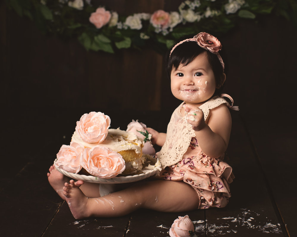 Worcester_cake_smash_photographer_boston_baby_girl_photos_one_year_portraits8.jpg