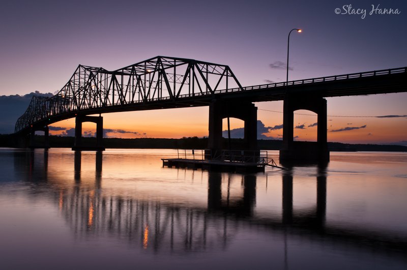 Lacon Bridge Twilight_.jpg