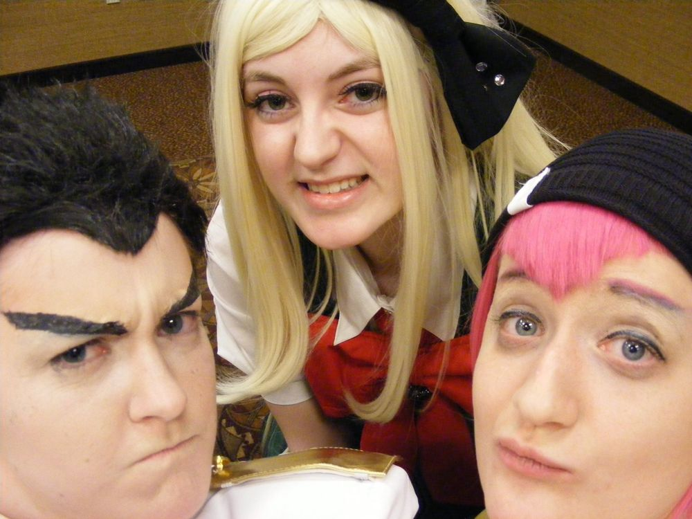 Gearstation cosplay as Sonia with tumblr users charmsandpandas (Ishimaru) and squidjuice (Souda)
