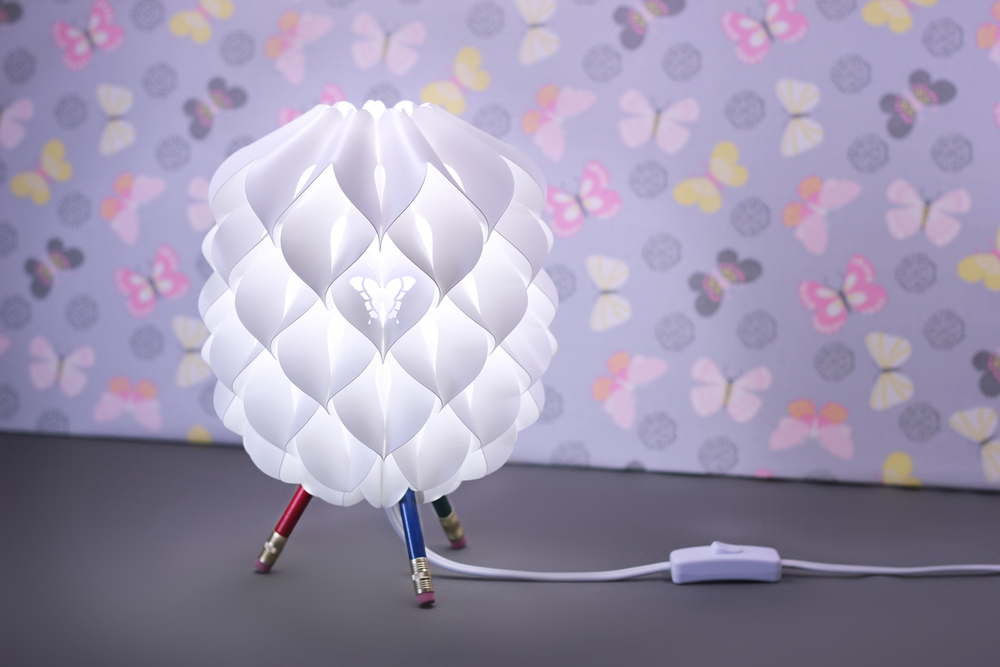 sq hr niki lamp colored purple backgr.jpg